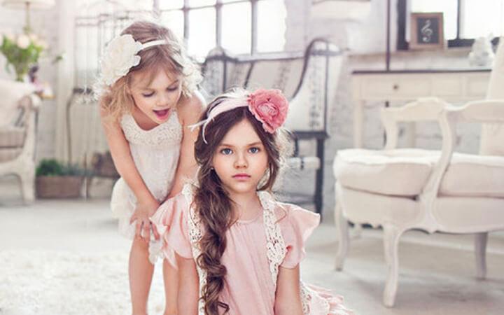 img-little-girl
